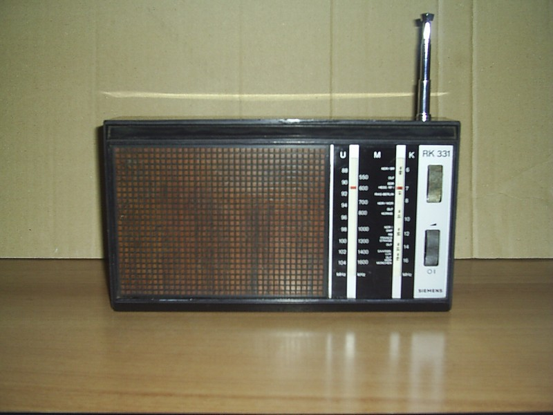 asociatia colectionarilor de aparate radio din romania radio antic. Black Bedroom Furniture Sets. Home Design Ideas