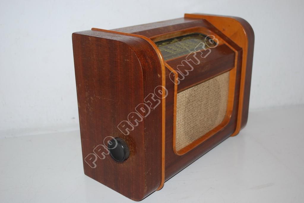 Asociaţia Colecţionarilor De Aparate Radio Pro Radio Antic Prima Acest Fel Din ţară Cu Sprijinul Complexului Muzeal Arad şi Al Altor Parteneri
